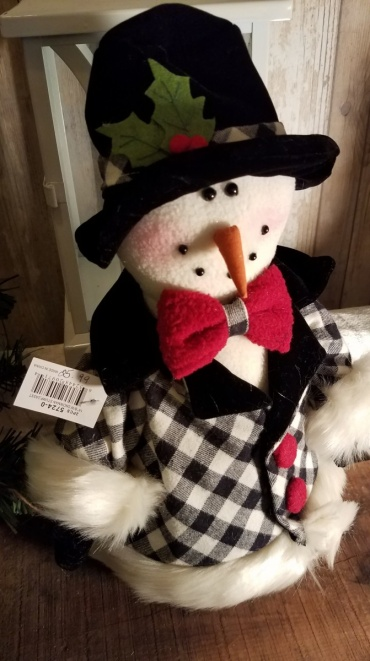 Bow tie and derby snowman